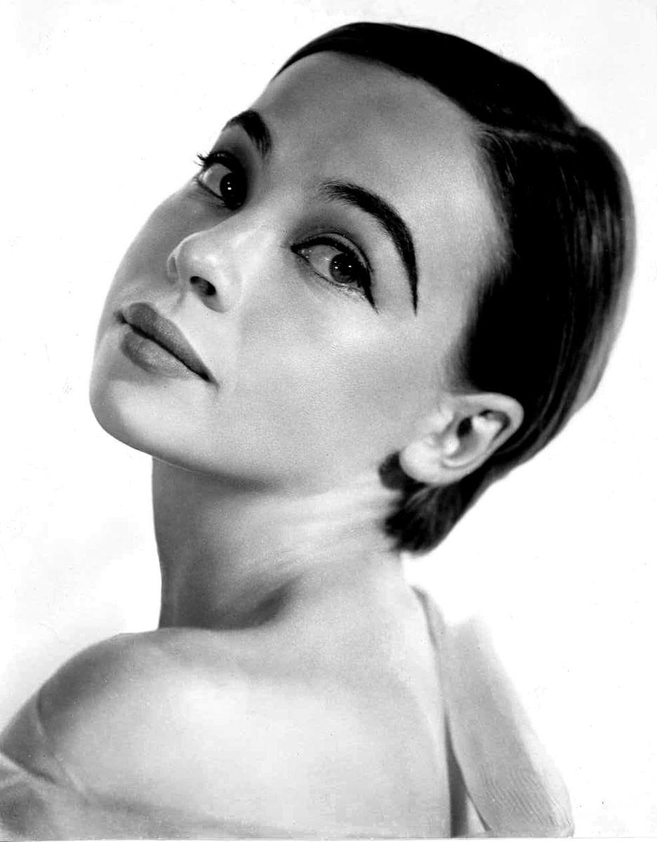 Black and white portrait of Leslie Caron
